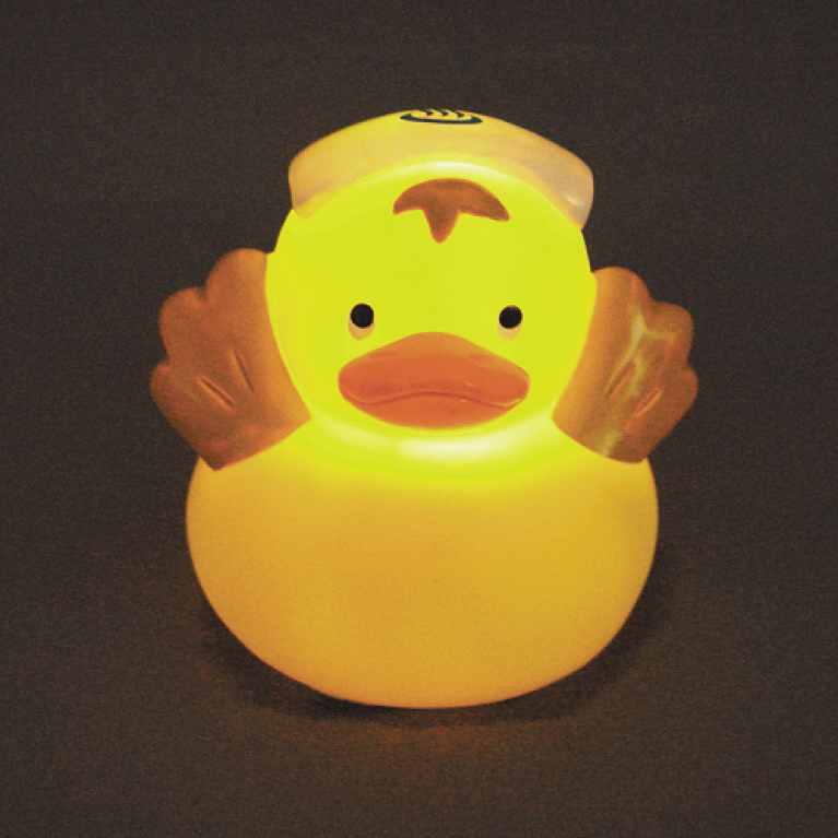 Lights up and sings! Onsen duck