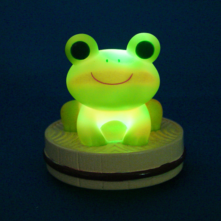 Lights up and sings! Onsen Frog